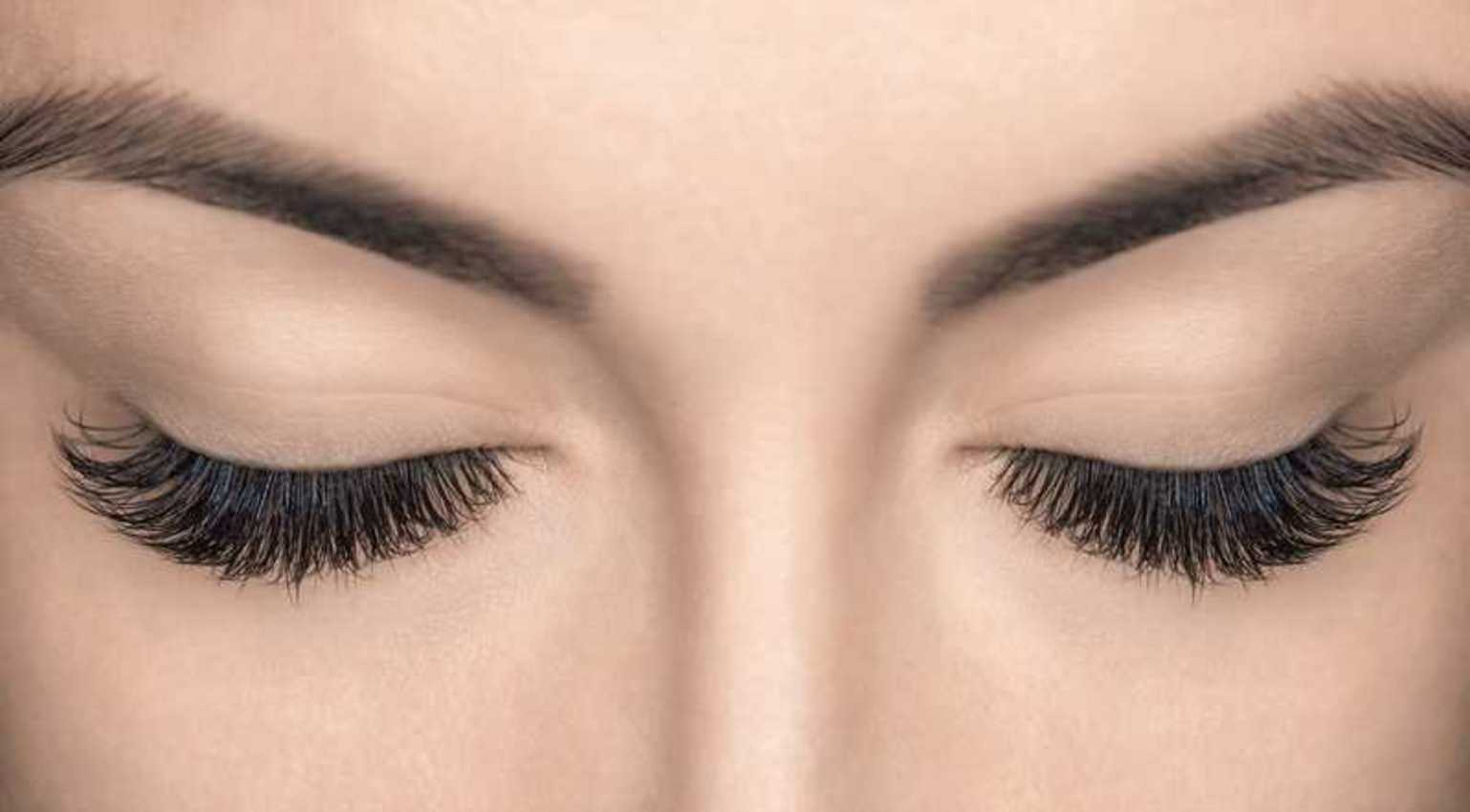 Are Eyelash Extensions Safe? How to use them with contacts?