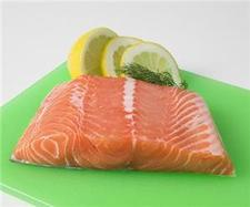 "Oily fish ""helps fight AMD"""