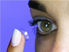 Museum reveals contact lens history