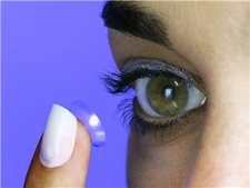 Dame Felicity Lott thanks contact lenses for helping career
