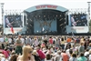 Festivalgoers given contact lens advice