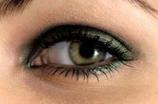 Eye makeup can be used to create a smoky effect quickly