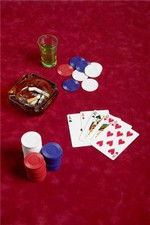 Contact lenses help poker team to win big