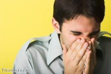 """Allergy suffers """"can still wear contact lenses"""""""