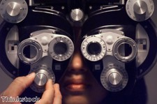"""Regular eye tests """"vital"""" for older drivers"""