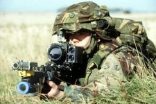 "New contact lenses ""could assist soldiers"""