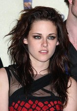 Twilight star Kristen Stewart transforms with contact lenses