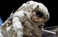 "Space travel ""harms astronauts"" eyes"""