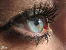 Hygiene advice for contact lenses and eye make-up